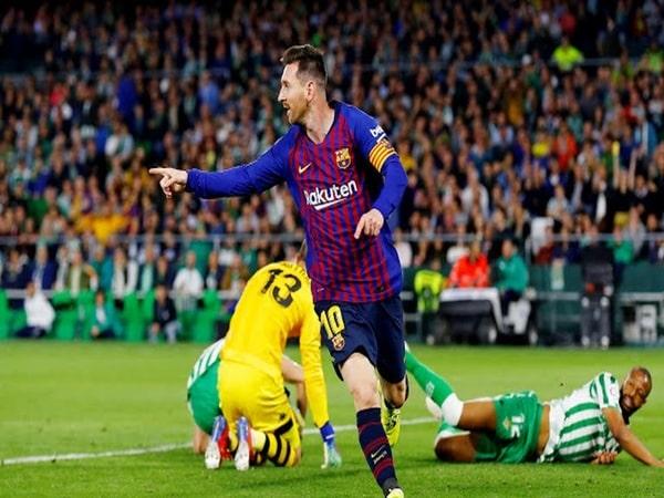 Messi lập hat-trick, Juventus lên kế sách chiêu mộ