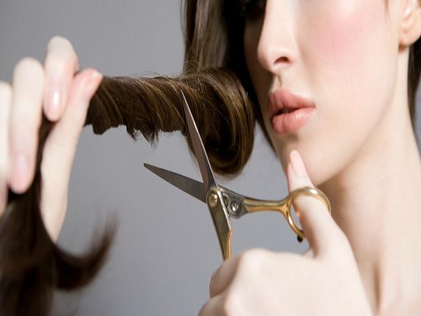 Mơ đi cắt tóc là dự báo điềm gì? giải mã ý nghĩa giấc mơ cắt tóc