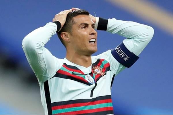 Bóng đá quốc tế ngày 12/10: Ronaldo chia tay ĐT Bồ Đào Nha