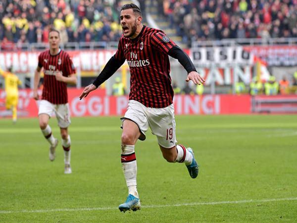 Bóng đá Quốc Tế 23/10: Milan cố gắng vươn lên từ đống tro tàn