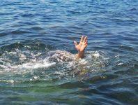 Nằm mơ thấy xác chết trôi sông nên đánh con gì đánh số mấy