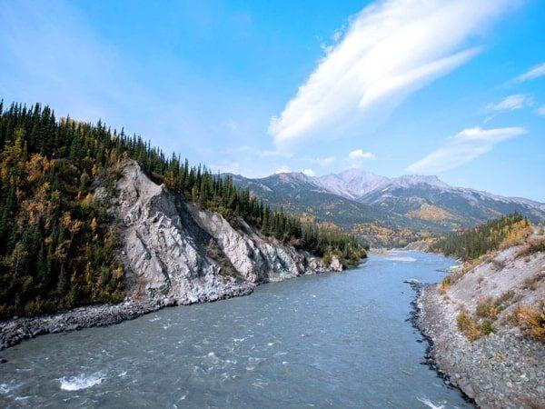 Mơ thấy dòng sông đánh con gì?