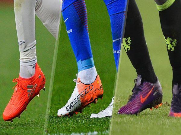 Cách chọn giày đá bóng sân cỏ nhân tạo cho từng mặt sân