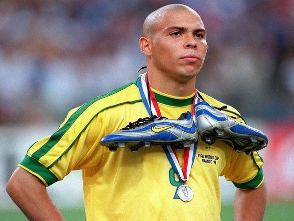 Tiểu sử Ronaldo De Lima – Người ngoài hành tinh của làng túc cầu
